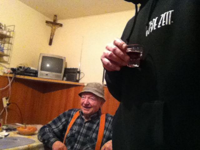 Loski Potoks OG hustler Onkel Alois in seiner Küche