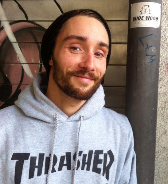 Christoph Rieger nebst seinem Wide Wood Skateshop Sticker