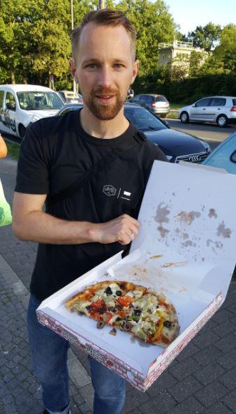 Dankschee für das Walk-by-Pizzastück, Julius